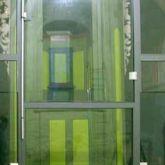 <p>Glastrennwand  Kirche Rotha</p>